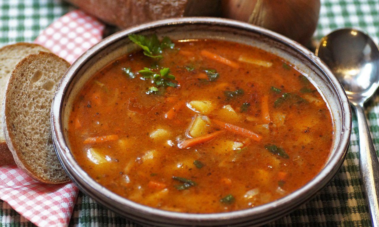 Мясной суп из свинины