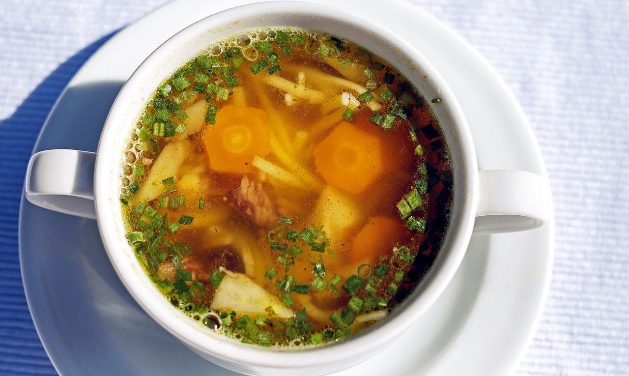 картофельный суп на курином бульоне